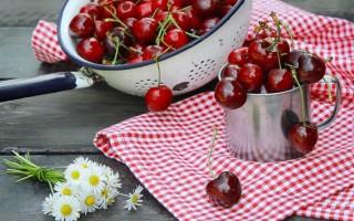 Полезные свойства черешни и противопоказания