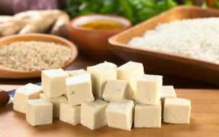 Перспективный соевый сыр тофу: польза и вред богатого фитоэстрогенами продукта