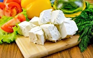 Польза и вред сыра фета, идеального для салатов