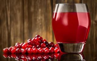 Польза и вред клюквенного сока