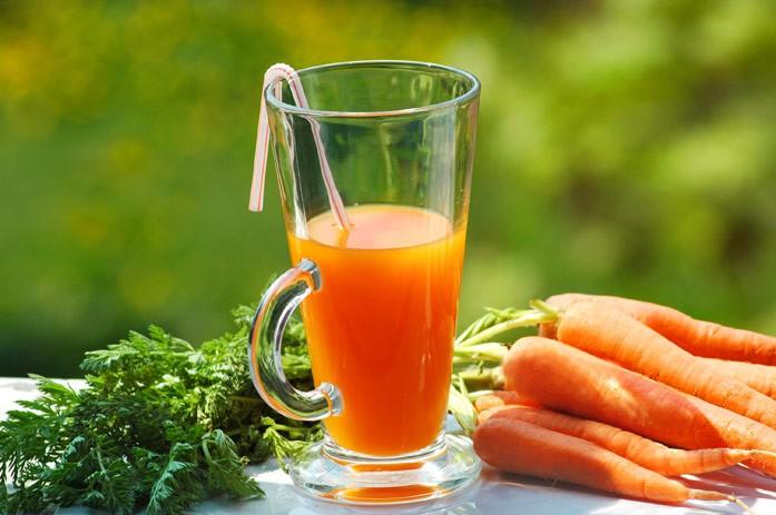 Морковный сок: польза и вред для мужчин, женщин и детей