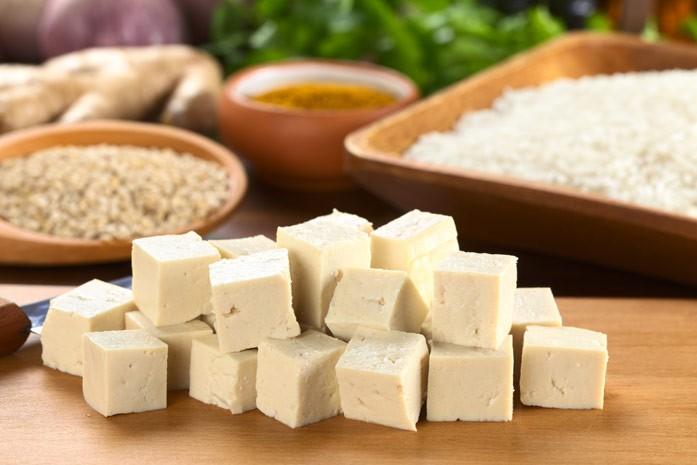 кусочки сыра тофу
