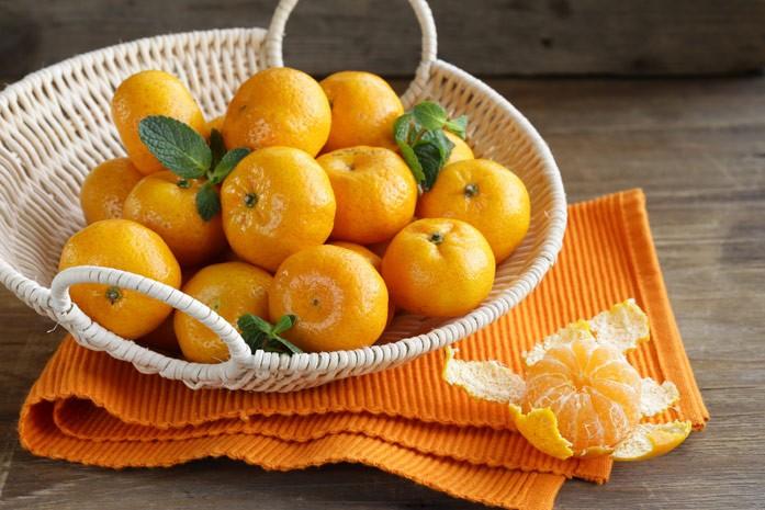 мандарины в корзинке