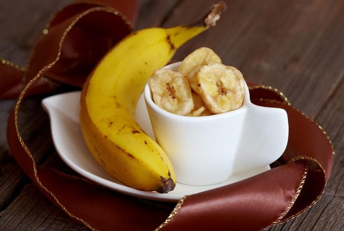 банан с чипсами