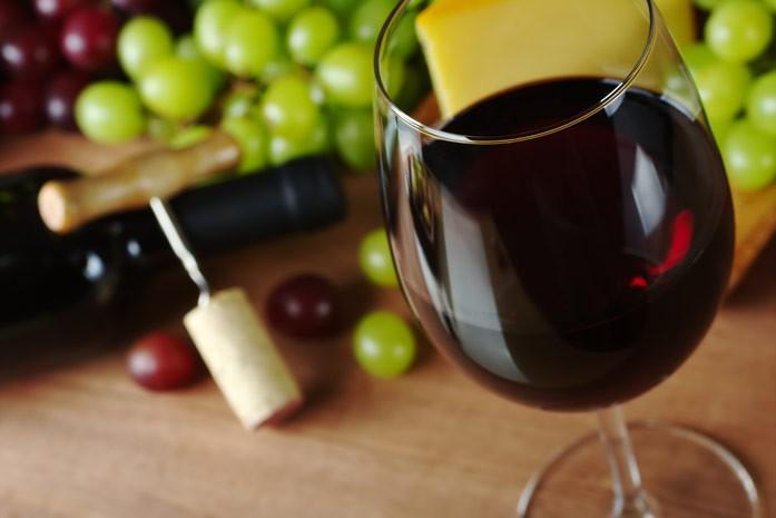 Смотреть Вино: вред или польза для организма видео